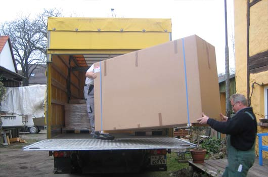 Removals to Australia from London