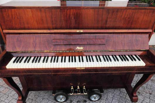 Cheap piano removals